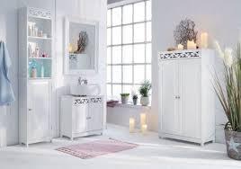 badschrank weiß badezimmer ideen landhausstil schrank