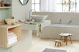 mit grün und beige die farben der natur ins badezimmer holen