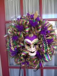 Mardi Gras Mask Door Decoration by Mardi Gras Wreath Idea Mardi Gras Decorations Pinterest