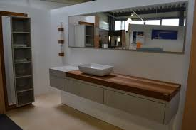 badmöbel individuelle planung ideen mit holz betonoptik