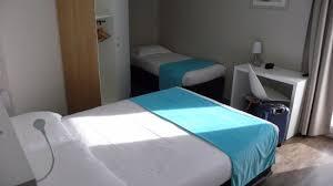 chambre hotes pornic dans la chambre un lit et un petit lit photo de brit