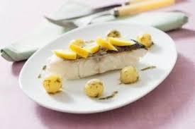 cuisine pocher comment pocher des portions de poisson technique de cuisine