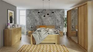 ein schlafzimmer mit einer femininen note