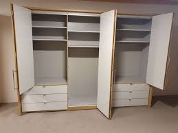 loft schlafzimmer glas weiß bianco eiche nachbildung kleiderschrank bett wiemann