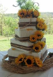 Wedding Cake With Sunflowers Ideas 25 Cute Sunflower Cakes On Pinterest Country Food Table