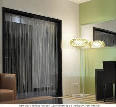 panneaux et rideaux foin cotte de mailles distribués par passage