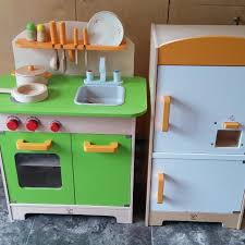 Hape Kitchen Set Singapore by Hape Wooden Kitchen Creepingthyme Info