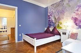 große ferienwohnung berlin mit kinderbett stuhl