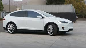 Tesla Model X bug leaves some owners unable to open or close doors