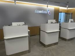 American Airlines Executive Platinum Desk International by The New American Airlines Flagship Lounge At Jfk Is Awesome