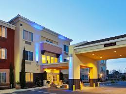 Holiday Inn Express & Suites Berkeley Hotel by IHG