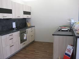 delta akazie küche in holzstruktur nachbildung akazie zwei gegenüberliegende zeilen