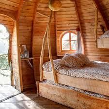chambre arbre cabane dans les arbres hébergement insolite en bretagne les ormes