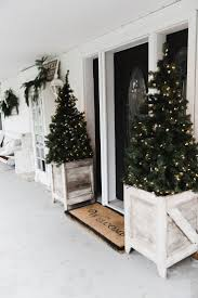 Pre Lit Porch Christmas Trees by Best 25 Christmas Porch Decorations Ideas On Pinterest