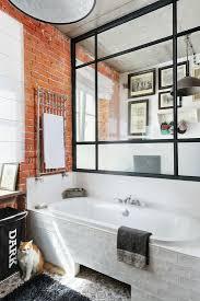badezimmer mit glas stahl wand über der bild kaufen