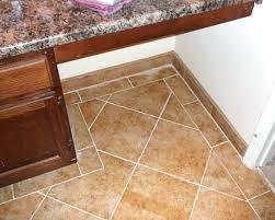 border transition from wood floor to tile flooringdecorative