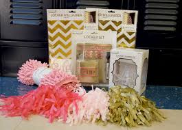 25+ Unique Locker Wallpaper Ideas On Pinterest | Girl Locker ... Decor Pbteen Mirror Rooms Pbteens Isabella Rose Taylor For Pbteen Summer Lbook 38 6704 997 3 Drawer Desk Gif With Pottery Barn Locker Fniture How To Decorate A School Less Mylitter One Deal At 25 Unique Girls Locker Ideas On Pinterest Girl Teen Bedding For Bedrooms Dorm Best Bedroom Door Diy Room Decore Set Ebth 20 Back To Decorating Accsories Vogue