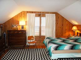 colors for jeanne s knotty pine bedroom let s share our