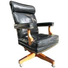 Desk Chairs ~ Executive Desk Chair Leather Best Office Shocking ... Office Leather Chairs Executive High Back Traditional Tufted Executive Chairs Abody Fniture Boss Highback Traditional Chair Desk By China Modern High Back Leather Hx Flash Fniture High Contemporary Grape Romanchy 4 Pieces Of Lilly Black White Stitch Directors Pearce Pvsbo970 Vinyl Seat 5 Set Of Eight Miller Time Life In Bangladesh At Best Price Online Darazcombd Buy Computer Staples