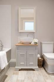 Grey Tiles Bathroom Ideas by Best 25 Light Grey Bathrooms Ideas On Pinterest White Bathroom
