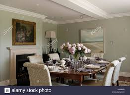 Elegant Dining Room Stock Photo: 188924227 - Alamy Mcnamara Retro Modern Ding Table Eur Style Fniture The Right Design Price Jesup Outlet Sariden Chrome Finish Rectangular W4 Farmhouse Rustic Room Birch Lane Ali Chair Tables Chairs Keenerschultz Formal Vs Functional Living Rooms Fall From Favor But Get Hooker Wayfair Shades Of Grey Featured Rooms Inspiration Roanoke Va Reids Fine Furnishings