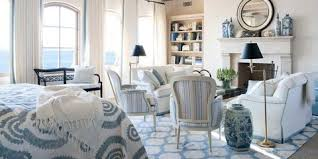 The Classic Combination Of True Blue With Bright White Is Still A Timeless Country Palette Here Are Few Our Favorite Rooms That Wear Colors Well