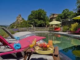 chambre d hote massif central chambre d hôtes en auvergne location avec piscine et auberge en