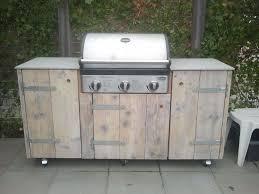 outdoor küche aus holz selber bauen inklusive eingebautem