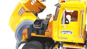 100 Bruder Mack Granite Liebherr Crane Truck Toys 02818 YouTube