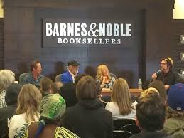 Fleetwood Mac News s Mick Fleetwood at Barnes & Noble with