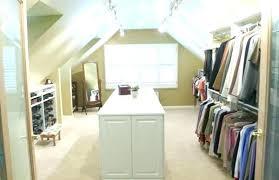meuble pour chambre mansard meuble pour mansardee faut il laisser la pente d une chambre