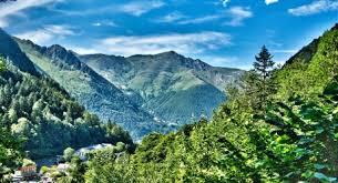 mountain ranges of europe the pyrénées a european mountain range that challenges the alps
