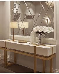 beistelltisch dekoration spiegel wohnen flur design