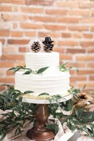 Img Winter Wedding Cake Topper Real Weddings Glamorous And Rustic In Lancaster Part Two We Are