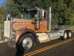 1984 KENWORTH W900 3-AXLE DAY CAB TRACTOR W/ WET KIT :: Opperman & Son