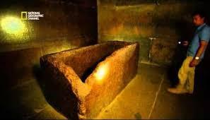 la chambre secrete une chambre secrète découverte dans la pyramide de khéops