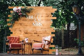 Wooden Pallet Wedding Backdrop Eco Friendly Way To Use In Your Decor