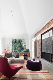 designer sitzmöbel auf teppich aus seide bild kaufen