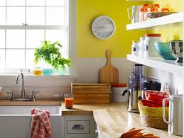 Colorful And Fun Kitchen Decor