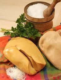 cuisiner un foie gras cru foie gras frais de canard poêlé aux pommes recettes cuisine