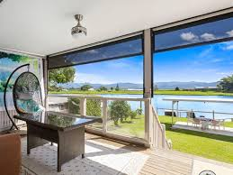 104 Water Front House 10 Bargain Front Homes For Sale For Less Than 1 Million Realestate Com Au