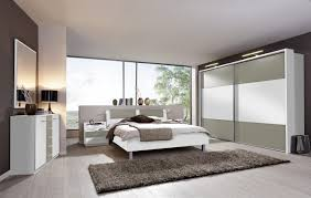 schlafzimmer grau weiß