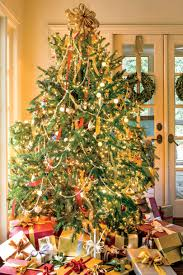 Decorate Christmas Tree Garland Beads by New Ideas For Christmas Tree Garland Southern Living