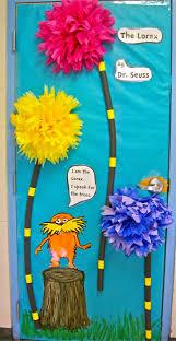 Dr Seuss Door Decorating Ideas by Cute For Decorating Classroom Door Iteach Pinterest