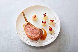 dressage des assiettes en cuisine dressage d une assiette de triples côtes d agneau aux meringues de