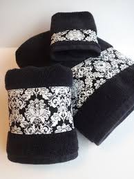 Decorative Towels For Bathroom Ideas by Best 25 Black Towels Ideas On Pinterest Decorative Towels