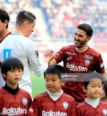 100 Torres Villa David Of Vissel Kobe And Fernando Of Sagan Tosu Shake