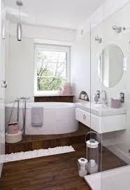 badezimmer ideen holzboden kleine badezimmer badezimmer