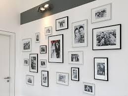 bilderwände anordnen bildderrahmen hängen dekoration de