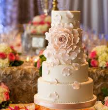 30 most amazing wedding cakes